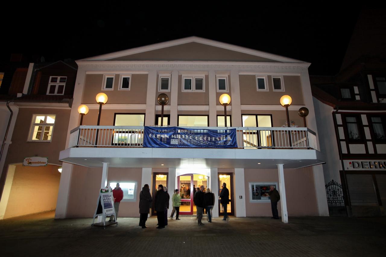 d744a9e240Stadttheater-04.jpg