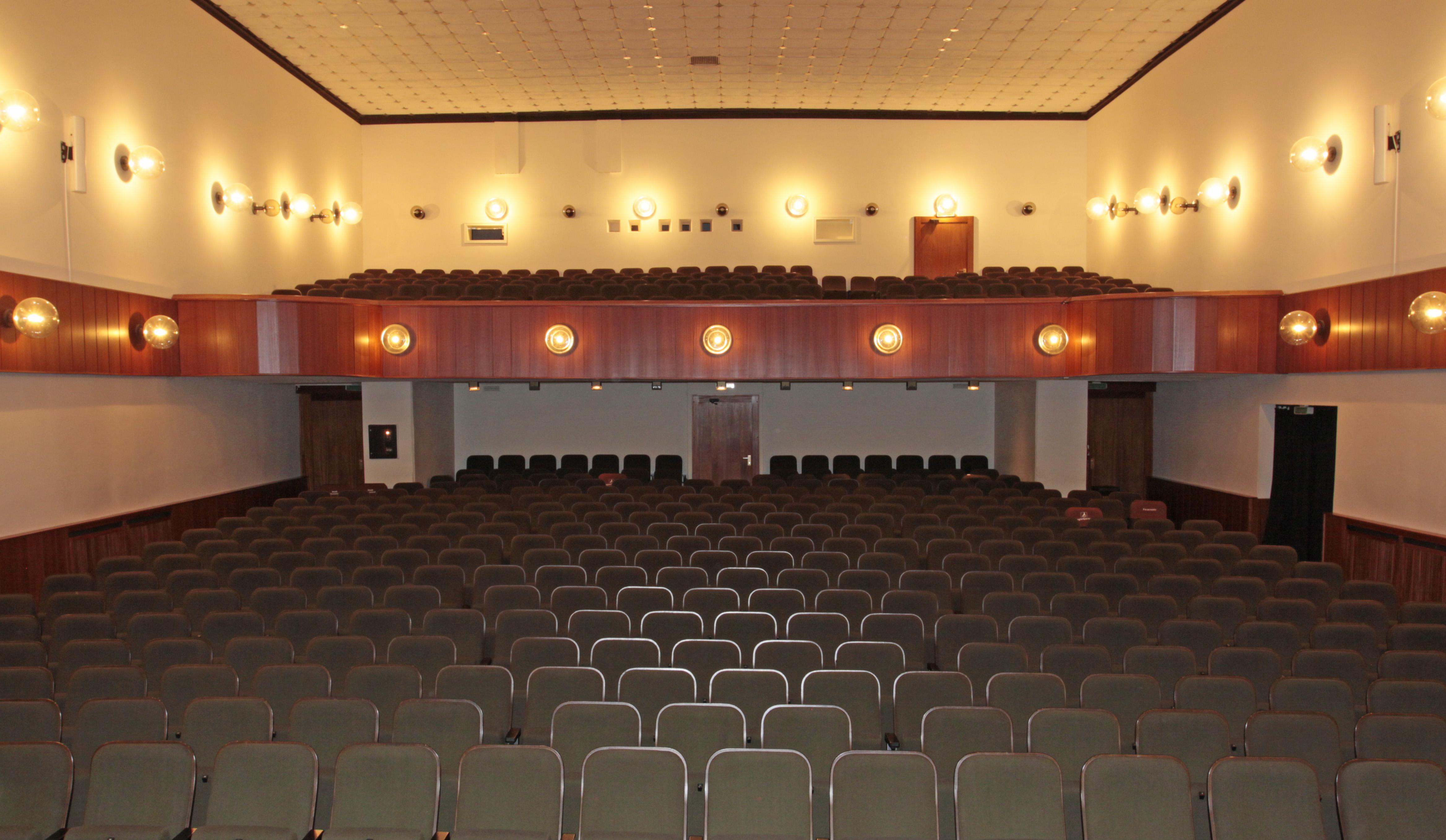 f6e8114b17stadttheater_-_4.jpg